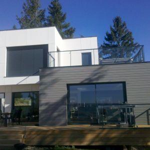 Maison moderne terasse barrière